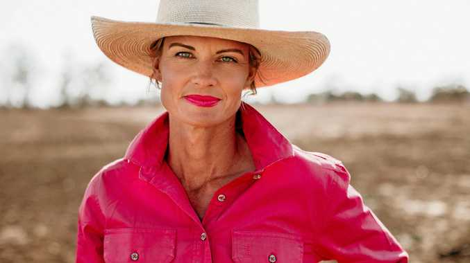 Bold women of the southwest face of Revlon lippy