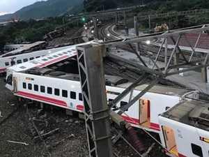 Taiwan train crash kills 18, injures 160