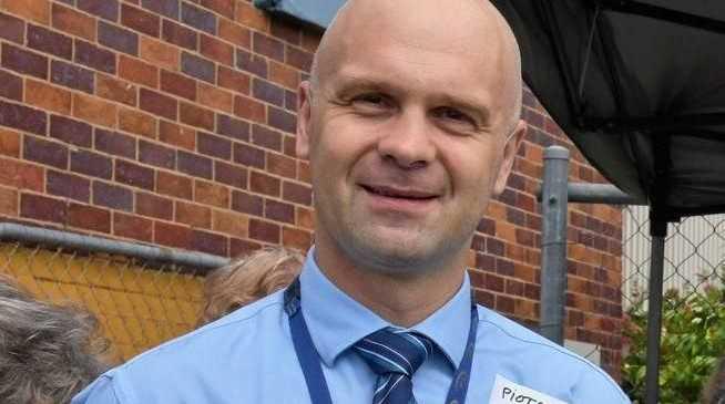 Dr Piotr Swierkowski.