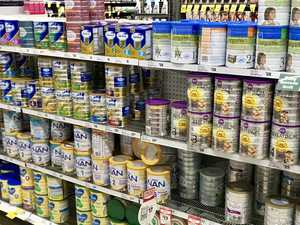 Crackdown as parents fight for baby formula