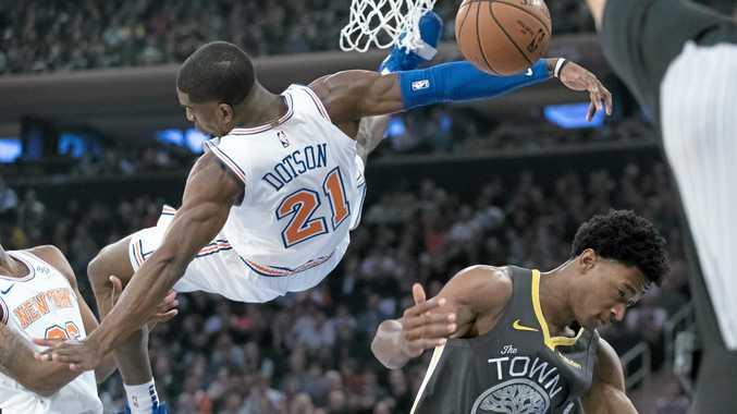 44a95fe87e0 NBA wrap  Durant s fourth-quarter binge buries Knicks