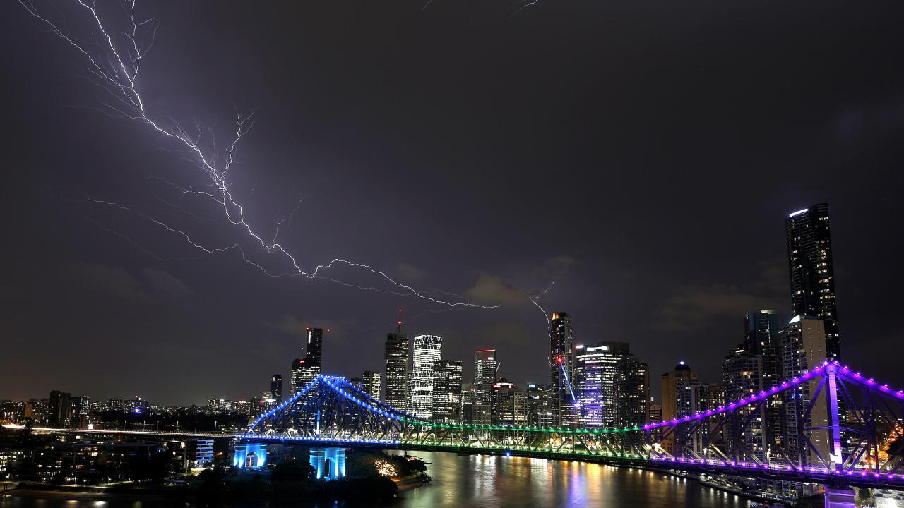 Lightning pictured over Brisbane City, Brisbane 25th of October 2018. (AAP Image/Josh Woning)