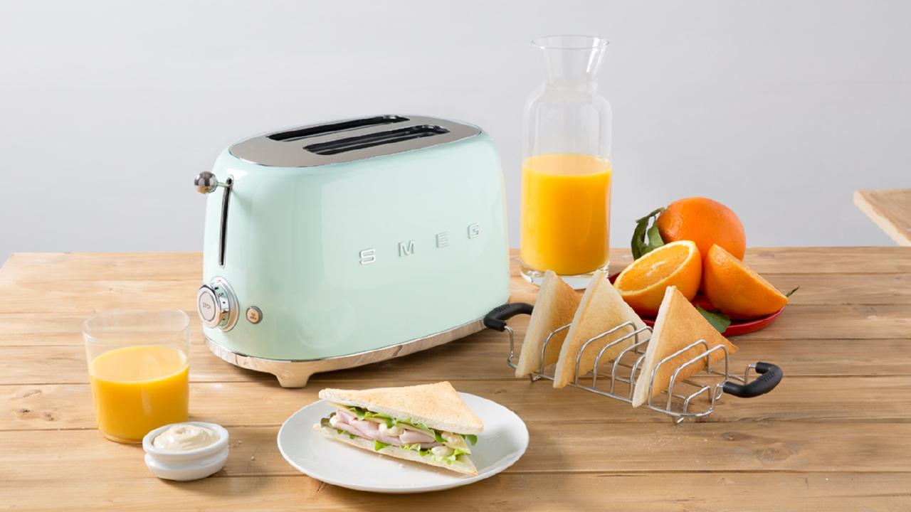 A high-end Smeg toaster should probably last around six years.