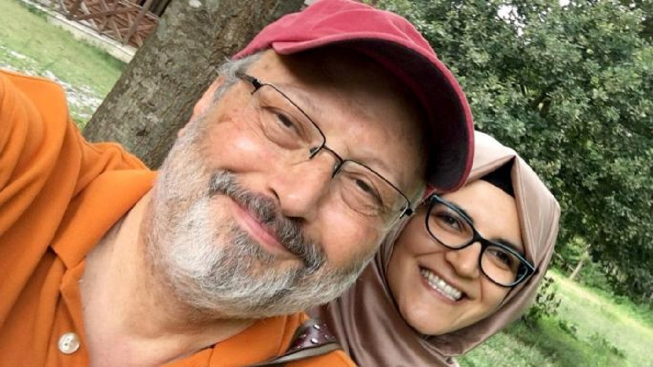 Jamal Khashoggi with fiancee Hatice Cengiz before his murder on October 2.