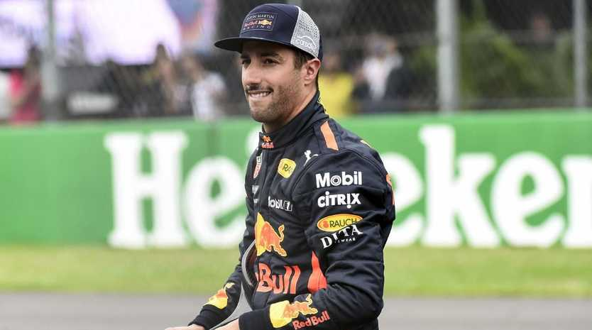 Red Bull's Australian driver Daniel Ricciardo, is pictured after obtaining the pole position during the qualifying session of the F1 Mexico Grand Prix, at the Hermanos Rodriguez circuit in Mexico City on October 27, 2018. - Daniel Ricciardo upstaged his Red Bull teammate Max Verstappen with a dazzling record lap in the final seconds of Saturday's thrilling qualifying shootout for the Mexican Gran