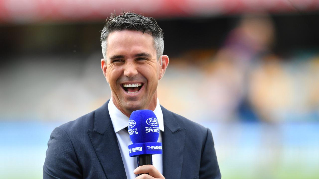 Kevin Pietersen has taken aim at Darren Lehmann.