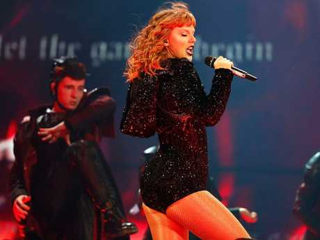 Swift is a generous host to her support acts. Picture: Don Arnold/TAS18/Getty Images.