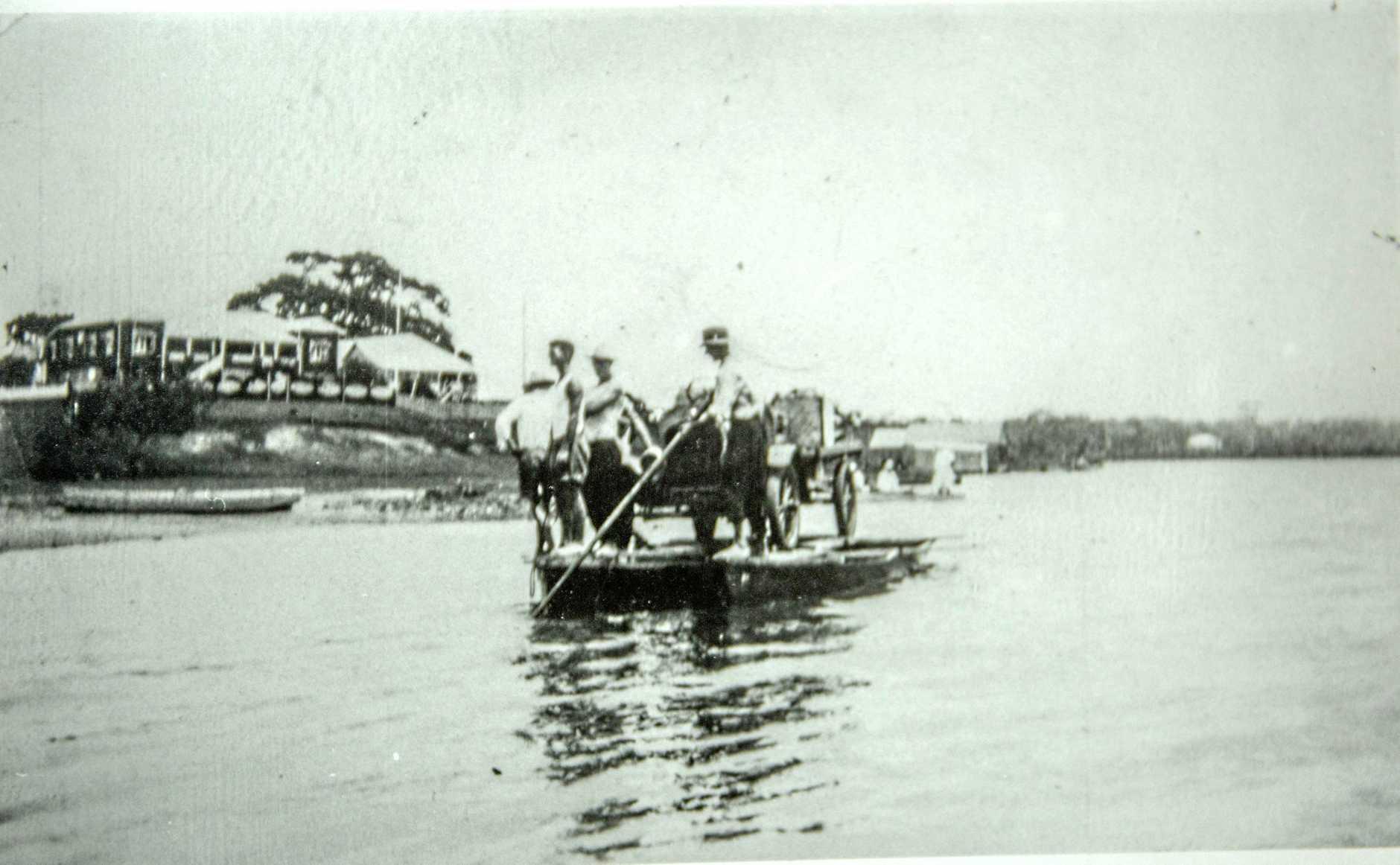 Noosa River at Tewanin.