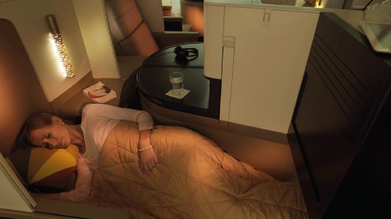 What's it like to fly business class with Etihad on the A380.