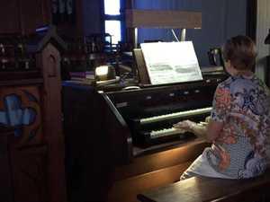 Mavis Braithwaite plays the Saint Paul's organ