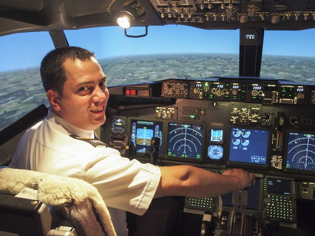 USQ Aviation student Jamie Zammit was awarded the Jeppesen Pilot Scholarship