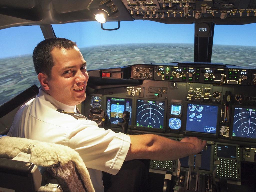 USQ Aviation student Jamie Zammit was awarded the Jeppesen Pilot Scholarship