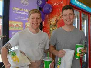 Subway diners eat fresh while helping Foodbank