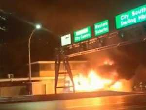 Large blaze breaks out on Harbour Bridge
