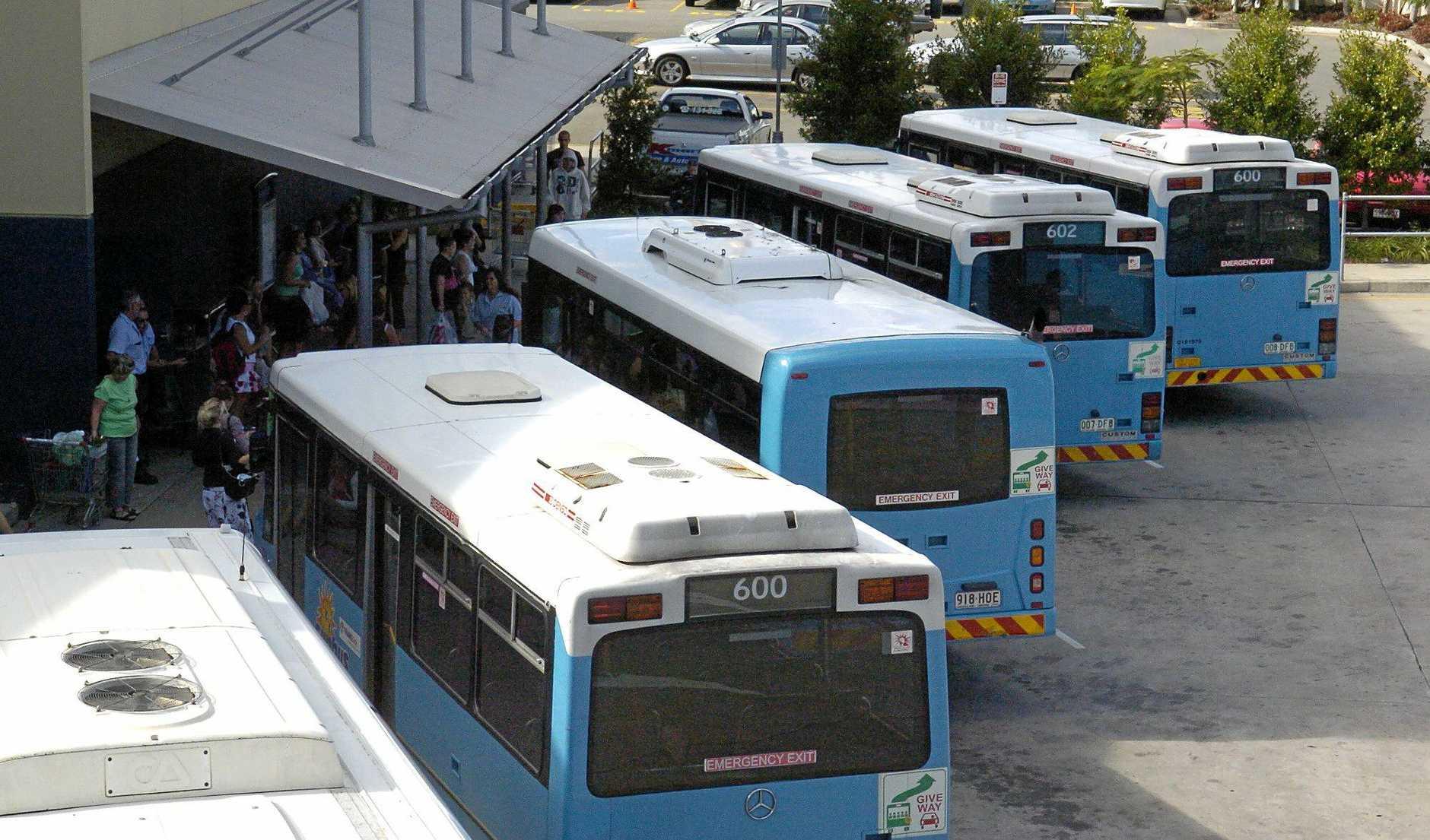 28/04/05 142650i Commuters at the Plaza bus interchange. Photo :Barry Leddicoat.