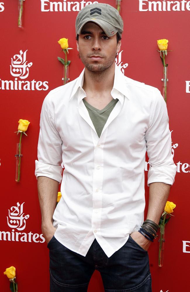 Enrique Iglesias goes casual.