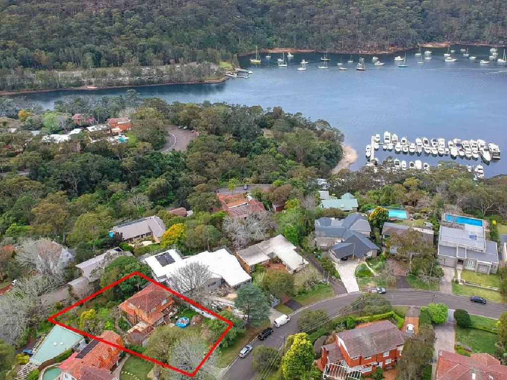 17 Lockley Pde, Roseville Chase, is close by Roseville Marina
