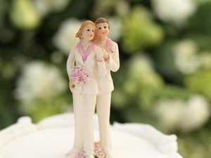 Couple slammed for 'insulting' wedding invitation