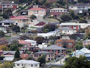 Bowen won't rule out negatively gearing holiday house
