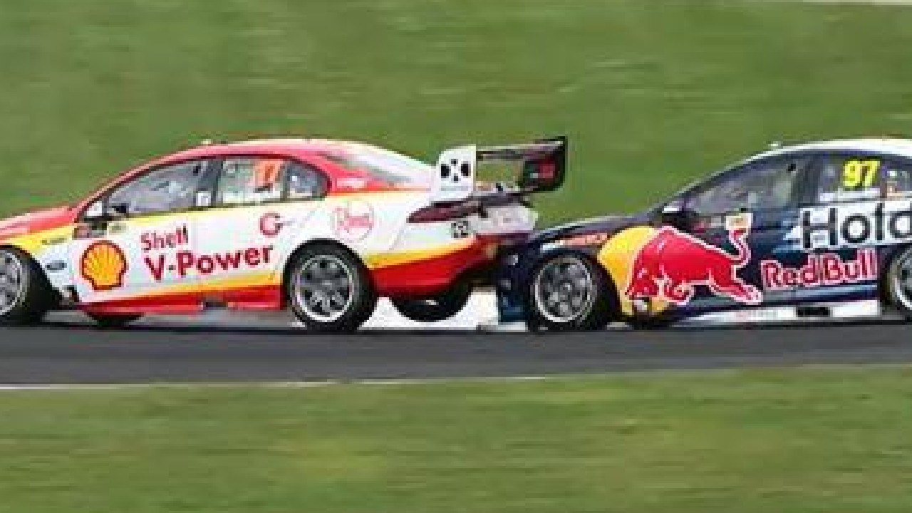 Shane van Gisbergen bumps Scott Mclaughlin in Auckland.