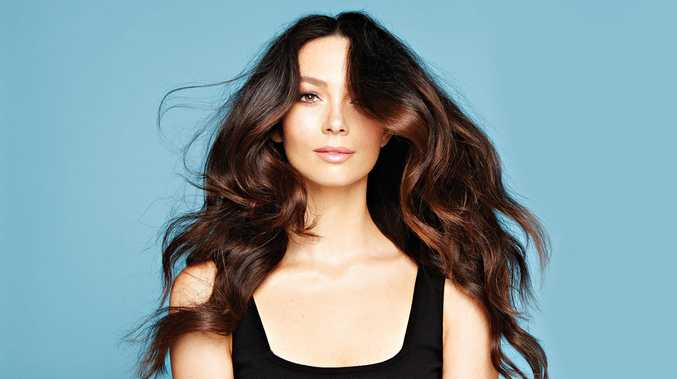 Ricki-Lee Coulter has released the pop single Unbothered.