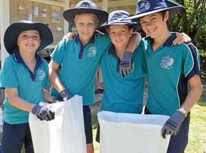 GALLERY: Coast students tidy up for turtle season