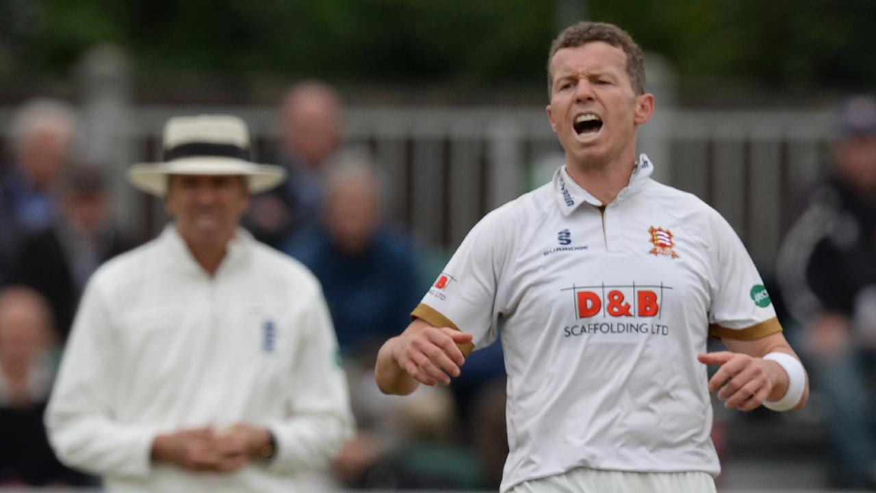 CHELMSFORD, ENGLAND - SEPTEMBER 4 : Peter Siddle of Essex reacts during the Specsavers County Championship Division One match between Essex and Surrey at The Cloudfm County Ground on September 4, 2018 in Chelmsford, England. (Photo by Philip Brown/Getty Images)