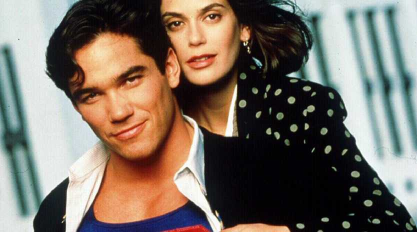 Dean Cain with Teri Hatcher in Lois & Clark: The New Adventures of Superman