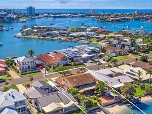 Deep water property brings $1.735m sale