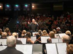 Orchestral tribute to WWI armistice