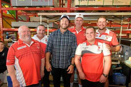 Nathan Hindmarsh gathers with South Grafton Rugby league players at his Bunnings Visit.