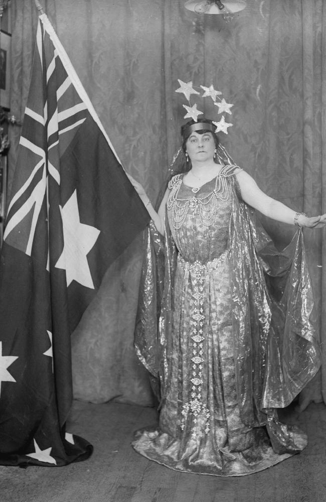 5th May 1917: Miss Elsa Stralia singing 'Sons of Australia' at Queen's Hall, London. Picture: Topical Press Agency/Getty Images