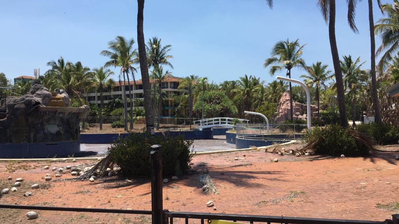 Steven Jenkins snapped these photos of the abandoned Capricorn Resort in Yeppoon, which in its heyday was a luxurious tourism hotspot.