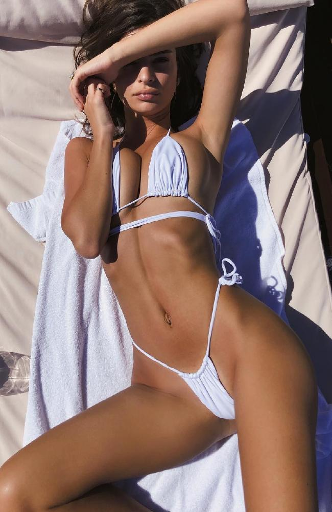 American model Emily Ratjkowski is known to show off her famous body and she did just that at Camp Cove in Sydney. Picture: Instagram/@inamorataswim