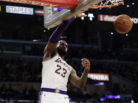 Lakers star LeBron James had a few dunks in his 26 point haul.
