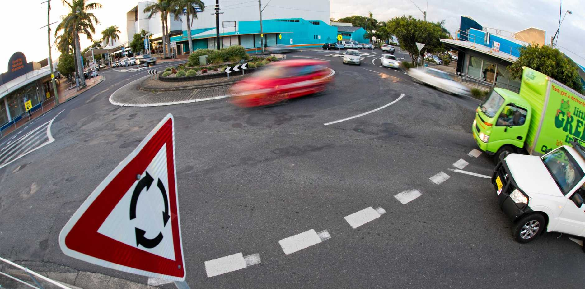 Do you know the indication rules on a roundabout?