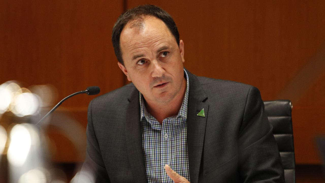 Jeremy Buckingham has been told to resign over a sexual harassment allegation.