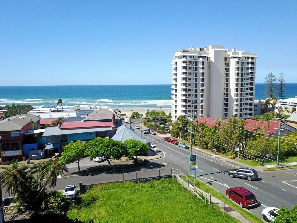 15-17 Beach Rd, Coolum Beach.