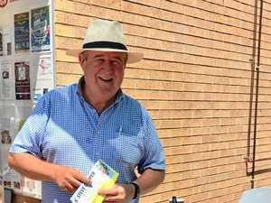 Cautious Bundy councillor repays donation