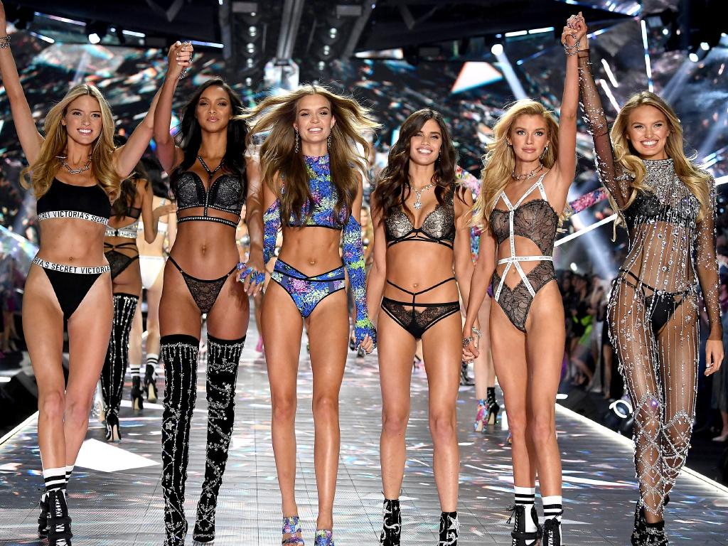 Fresh from staging its sexy runway show in New York, lingerie giant Victoria's Secret has revealed the opening date of its first full-scale Australian store.