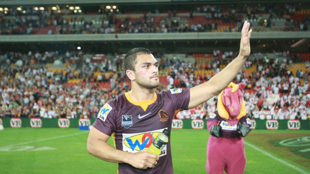 Hunt farewells Broncos supporters in 2009. Picture: Jono Searle