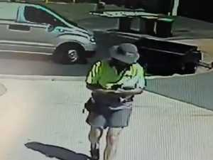 Australia Post fail caught on CCTV