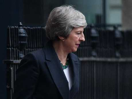 May says no alternative to Brexit plan as opponents do the numbers