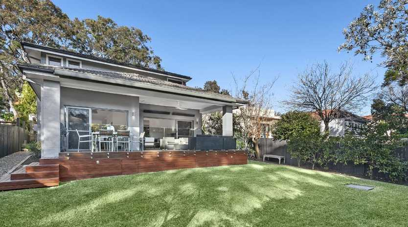 The Kallaroo Rd home is on the market with a $2.85 million-$3.135 million guide.