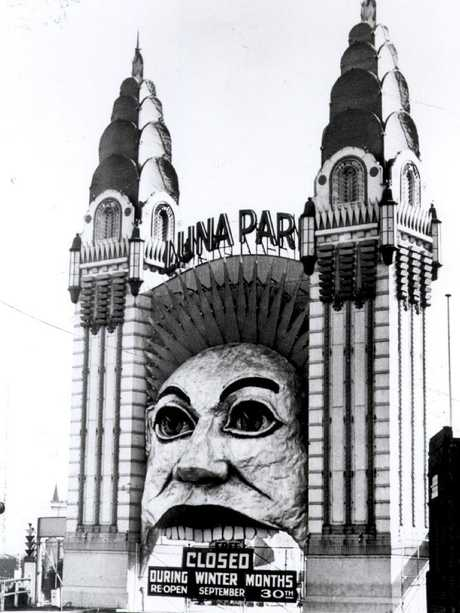 The original face was painted by artist Rupert Brown around 1935.