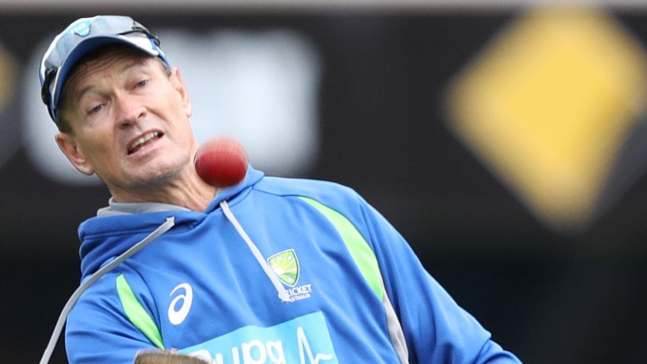 Shane Warne says questions should be asked of Graeme Hick.