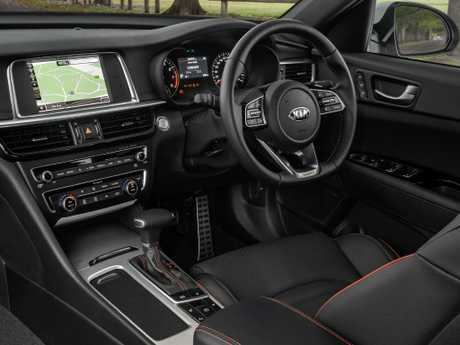 Smart disguise: Optima GT has Apple CarPlay / Android Auto, without Camry