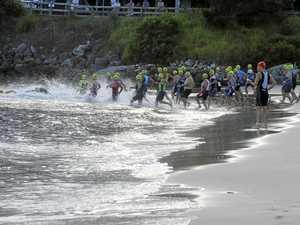 YAMBA TRI FESTIVAL: Swim leg