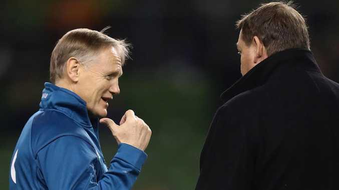 Ireland coach Joe Schmidt chews the fat with All Blacks rival Steve Hansen.