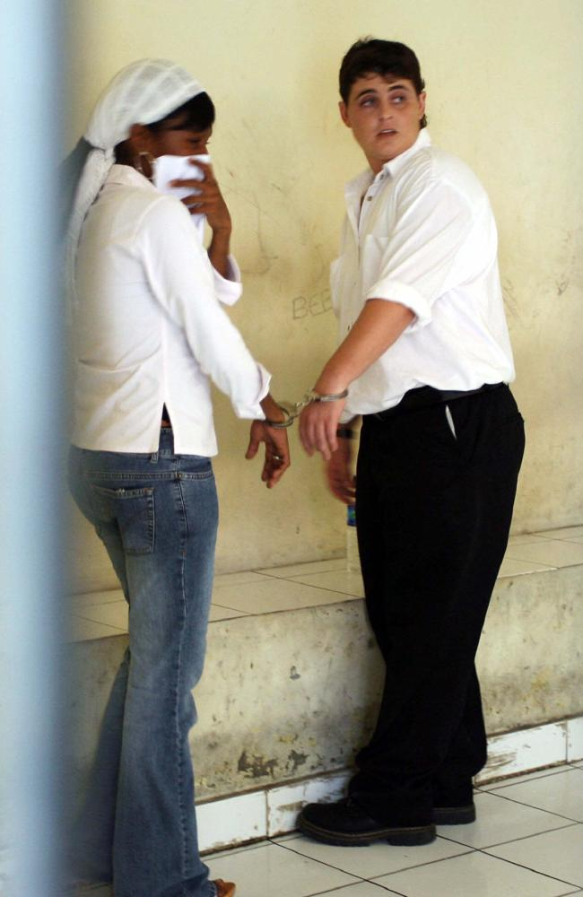 Renae Lawrence sharing handcuffs with another inmate before her Denpasar District Court trial in December 2005. Picture: Lukman S Bintoro